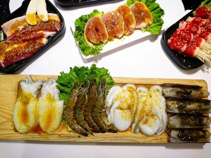 Top 13 Quán ăn ngon, nổi tiếng được yêu thích nhất tại quận Hoàng Mai, Hà Nội