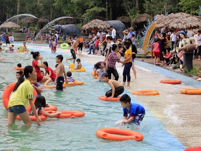 Top 10 địa điểm vui chơi mùa hè tốt nhất cho trẻ em tránh nóng tại Hà Nội