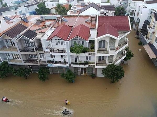 Có nên mua nhà vào mùa mưa không?