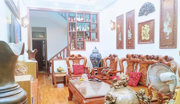 Nhà riêng ngõ 61 Lạc Trung, 60m2 4 tầng, mt 4m, giá 15tr, nhà đang sửa chữa mới.