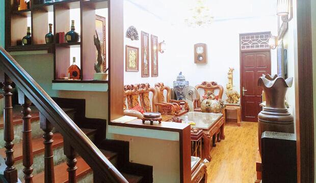Cho thuê kinh doanh đắc địa mặt phố Chùa Láng 55m2, mặt tiền 4.3m, giá thương lượng