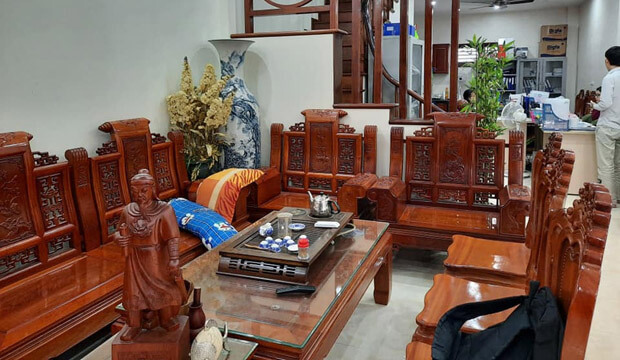 Bán nhà mặt phố Kim Mã, giá trị thương mại cao, vỉa hè rộng, 75m2, giá 32.5 tỷ