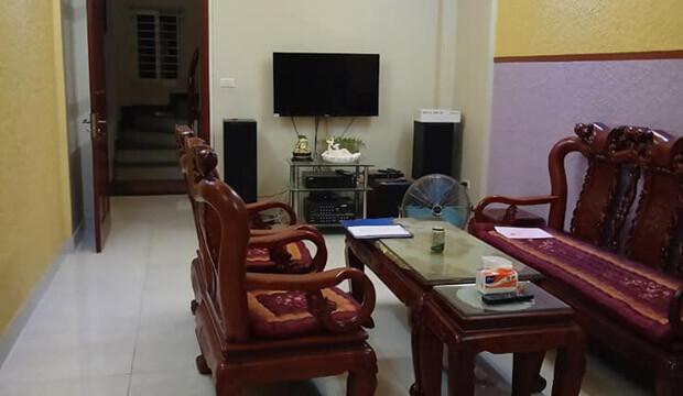 Bán nhà mặt phố Nguyễn Ngọc Vũ Trung Hòa Cầu Giấy 37m2 kinh doanh sầm uất, vỉa hè rộng